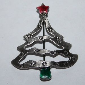 Beautiful vintage Christmas Tree brooch